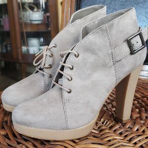 Messeca made in Brazil high heel booties size 9